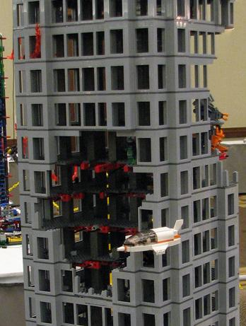 construccion de ruinas: ataque mecha