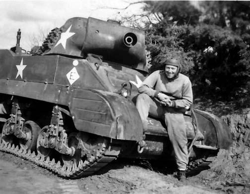 M8 Howitzer. Cortesía de la familia de SSG Alex Bratman.