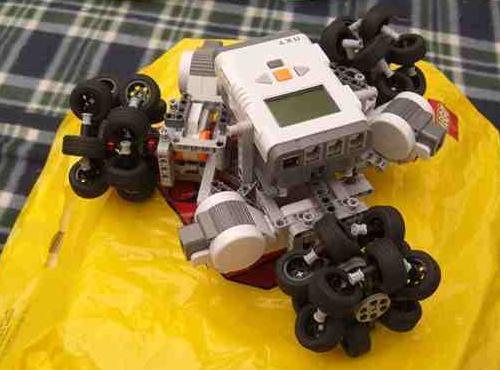 Robot NXT omnidireccional, por Xander