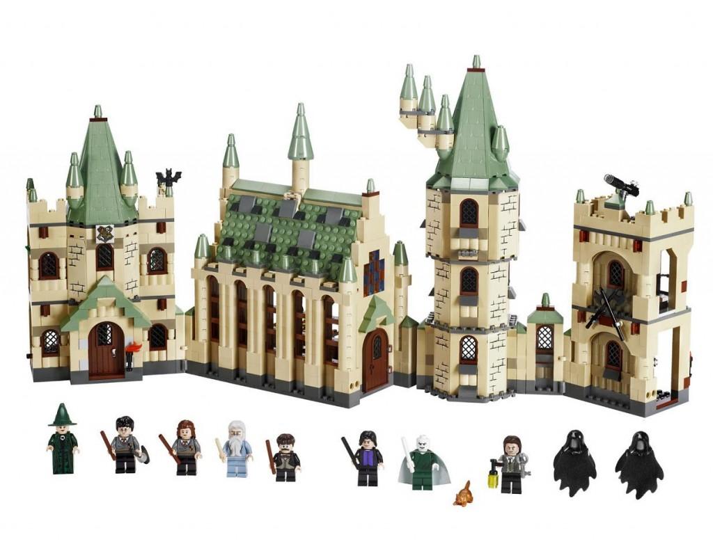 4842-1 Hogwarts Castle