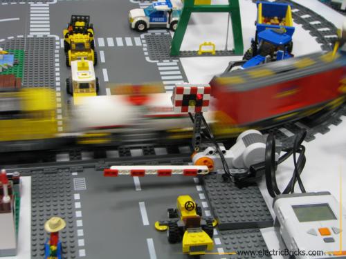 rail crossing NXT