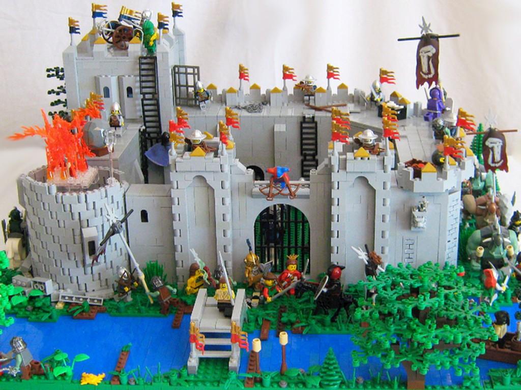 Asedio al castillo de Goldendawn, por LegoLord