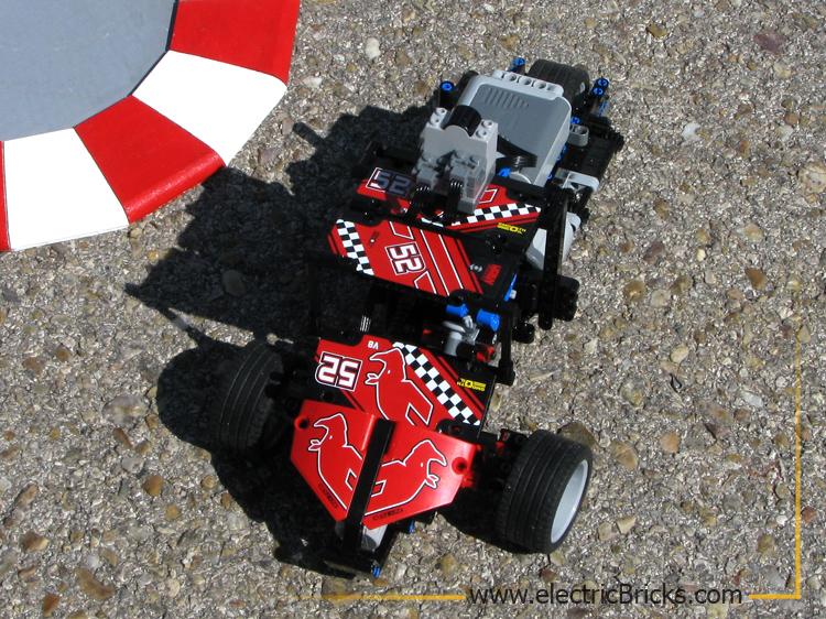 Carrera T-Rex: rojo
