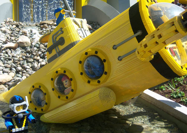 los mares con lego: submarino Lego