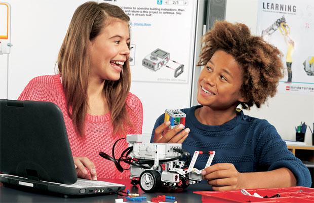 kids-discussing-ev3